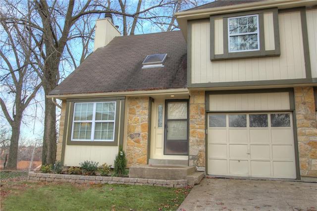8807 Cottonwood Street, Lenexa, KS 66215 (#2140803) :: No Borders Real Estate