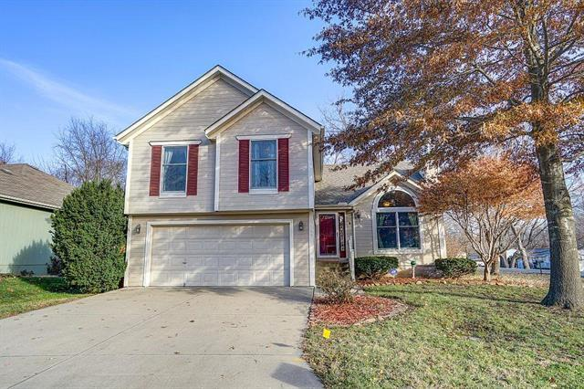 300 NW 26th Street, Blue Springs, MO 64015 (#2140828) :: No Borders Real Estate