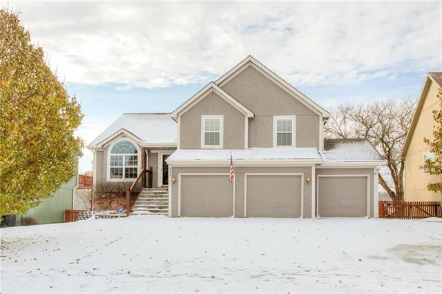 423 Killarney Lane, Smithville, MO 64089 (#2140883) :: Char MacCallum Real Estate Group