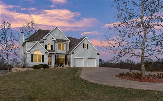 5702 E 196th Street, Belton, MO 64012 (#2140913) :: House of Couse Group