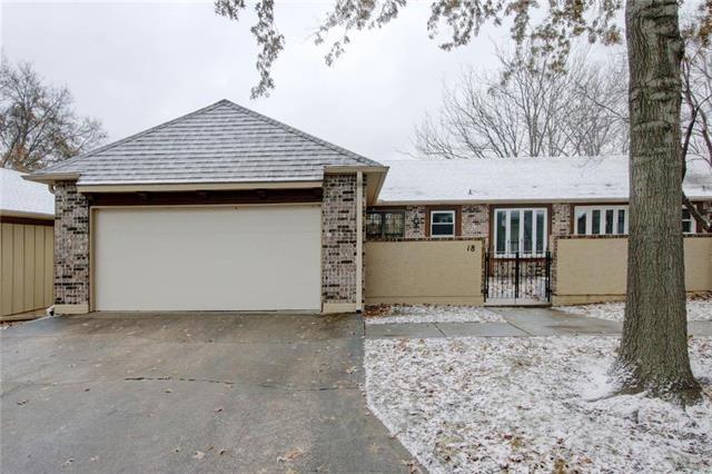 18 Holly Drive, Olathe, KS 66062 (#2140924) :: No Borders Real Estate
