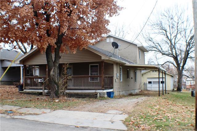 1211 Main Street, Osawatomie, KS 66064 (#2140956) :: No Borders Real Estate