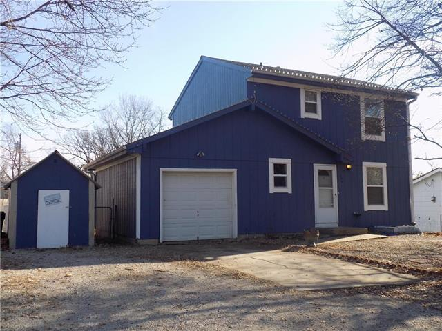 404 S Washington Street, Spring Hill, KS 66083 (#2141059) :: No Borders Real Estate