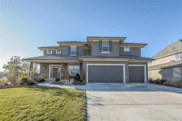 11812 W 164TH Place, Overland Park, KS 66221 (#2141111) :: The Shannon Lyon Group - ReeceNichols