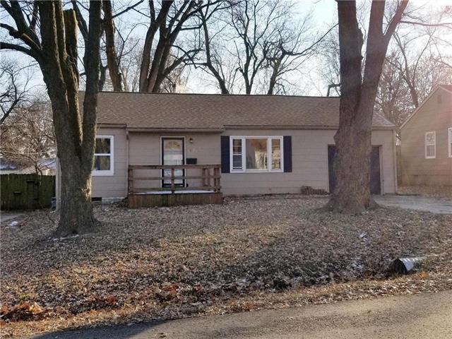 11207 W 69th Terrace, Shawnee, KS 66203 (#2141137) :: Team Real Estate