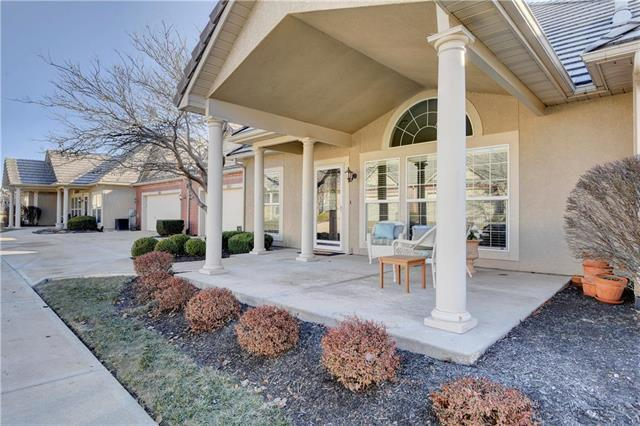 5424 W 145th Terrace, Leawood, KS 66224 (#2141162) :: The Shannon Lyon Group - ReeceNichols