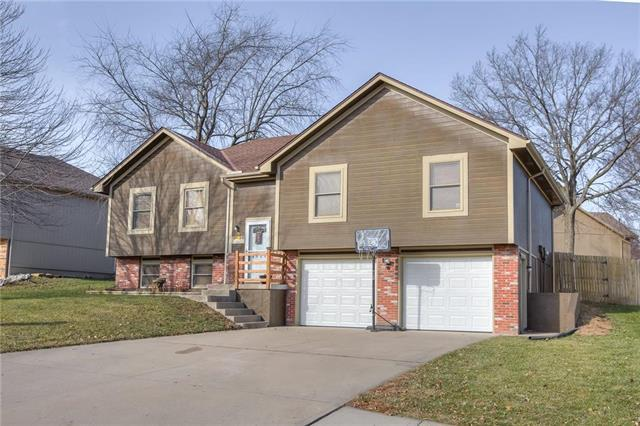 3824 SW Windsong Drive, Lee's Summit, MO 64082 (#2141163) :: No Borders Real Estate
