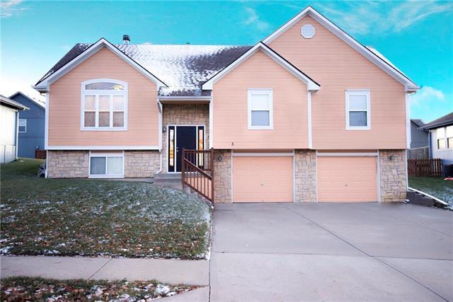 8005 NE 108th Terrace, Kansas City, MO 64157 (#2141176) :: Edie Waters Network