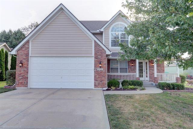 1701 NW Woodbury Drive, Grain Valley, MO 64029 (#2141228) :: No Borders Real Estate