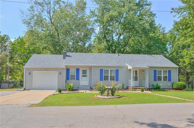 4928 N Topping Avenue, Kansas City, MO 64119 (#2141249) :: Dani Beyer Real Estate