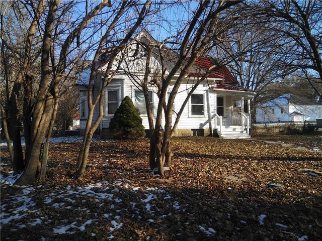 515 N Main Street, Corder, MO 64021 (#2141253) :: Dani Beyer Real Estate
