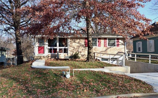 414 E Prairie Street, Olathe, KS 66061 (#2141257) :: Kansas City Homes