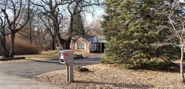 8120 N Pontiac Avenue, Kansas City, MO 64151 (#2141272) :: NestWork Homes
