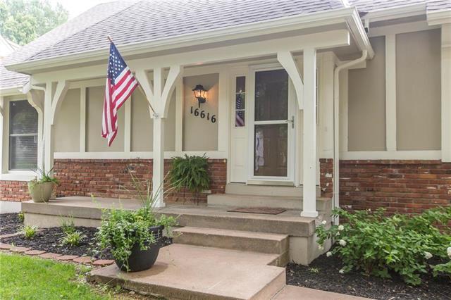16616 W 144th Street, Olathe, KS 66062 (#2141324) :: Team Real Estate