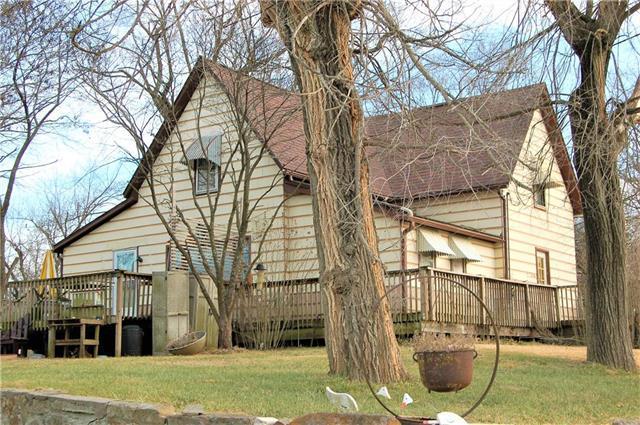 407 W 5th Street, Calhoun, MO 65323 (#2141352) :: Team Real Estate