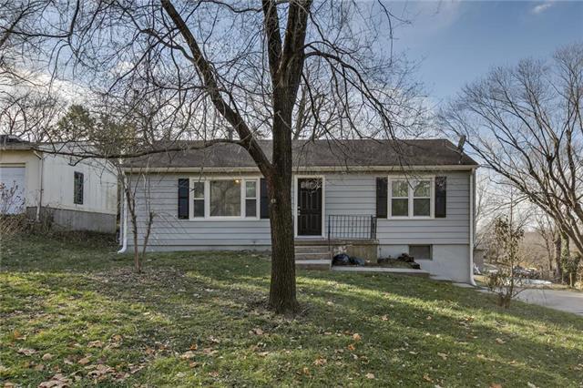 2930 Farley Avenue, Kansas City, MO 64129 (#2141396) :: No Borders Real Estate