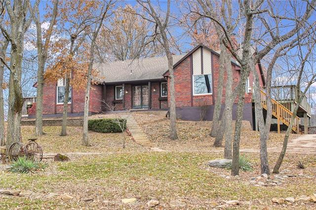 4505 SW Hickory Lane, Blue Springs, MO 64015 (#2141397) :: No Borders Real Estate