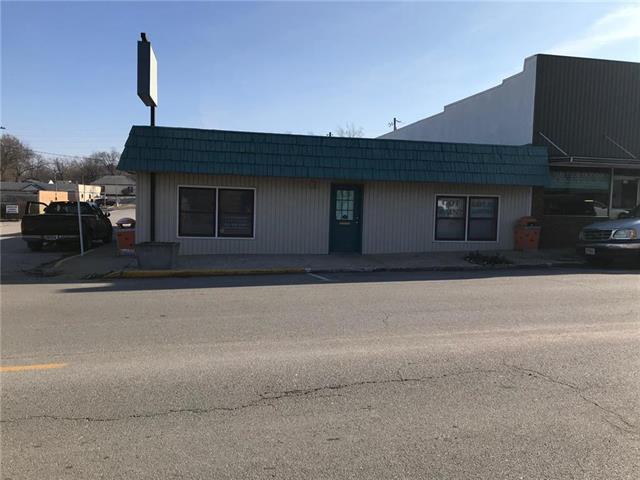 120 N State Street, Knob Noster, MO 65336 (#2141427) :: Edie Waters Network