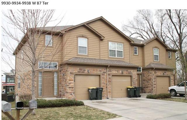 9930 W 87 Terrace, Overland Park, KS 66212 (#2141430) :: Edie Waters Network