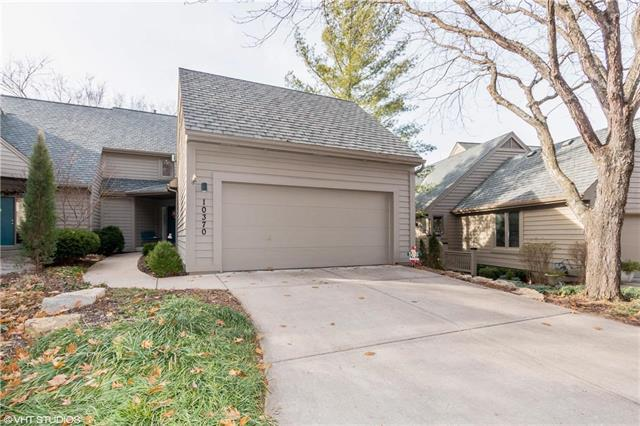 10370 S Clubside Court, Olathe, KS 66061 (#2141439) :: No Borders Real Estate