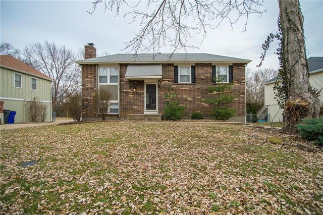 12813 S Raintree Drive, Olathe, KS 66062 (#2141451) :: No Borders Real Estate