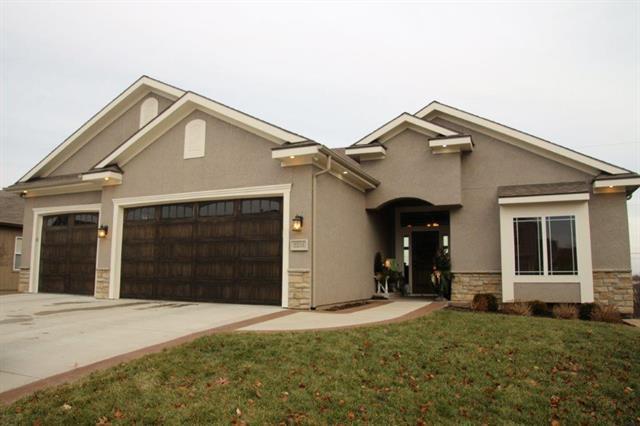 2234 NE 24th Street, Blue Springs, MO 64029 (#2141456) :: Team Real Estate