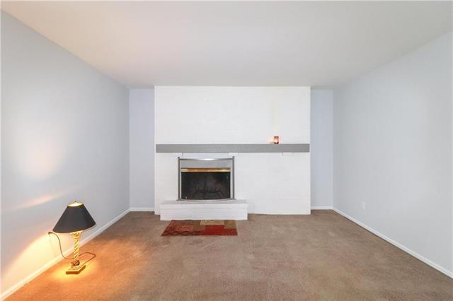 7618 W 59th Terrace #314, Overland Park, KS 66202 (#2141461) :: No Borders Real Estate