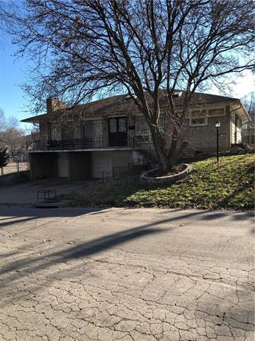 2107 St John Avenue, Kansas City, MO 64124 (#2141462) :: No Borders Real Estate