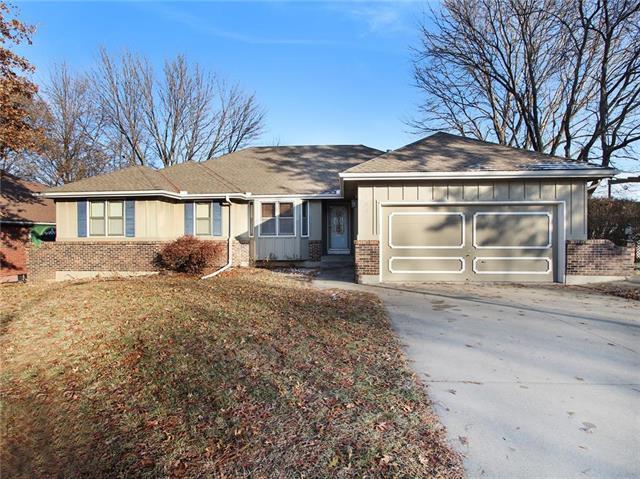 5833 Marion Lane, Kansas City, MO 64133 (#2141465) :: No Borders Real Estate