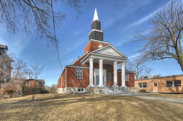 108 S Pleasant Street, Independence, MO 64050 (#2141526) :: Kansas City Homes