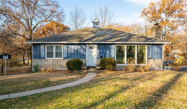 5620 Farley Street, Merriam, KS 66203 (#2141559) :: Team Real Estate
