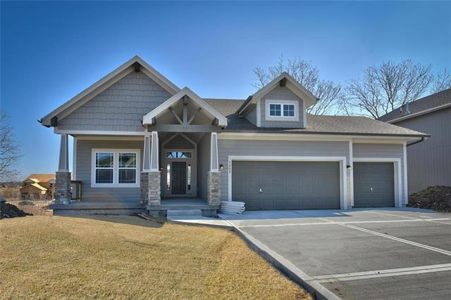 1068 N Sumac Street, Olathe, KS 66061 (#2141578) :: The Shannon Lyon Group - ReeceNichols