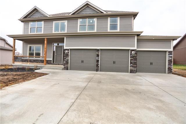 3701 NE 80th Street, Kansas City, MO 64119 (#2141603) :: NestWork Homes