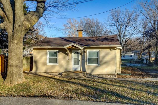 4635 N Lister Avenue, Kansas City, MO 64117 (#2141619) :: NestWork Homes