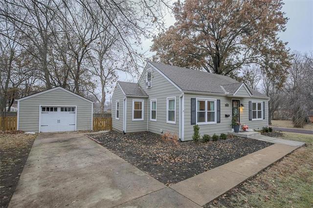 7806 Lowell Avenue, Overland Park, KS 66204 (#2141623) :: Team Real Estate