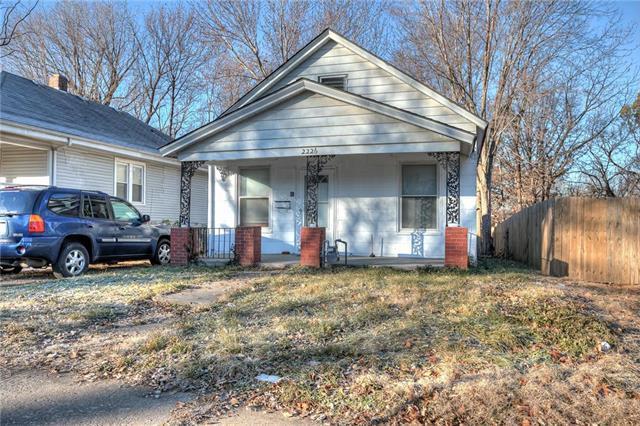 2226 Denver Avenue, Kansas City, MO 64127 (#2141642) :: Kansas City Homes