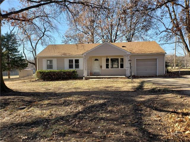 8716 Booth Avenue, Raytown, MO 64138 (#2141644) :: No Borders Real Estate