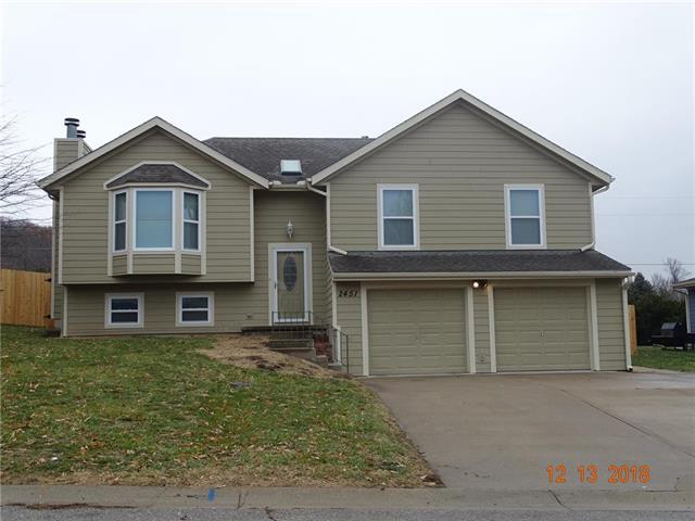 2451 22nd Terrace, Leavenworth, KS 66048 (#2141665) :: Char MacCallum Real Estate Group