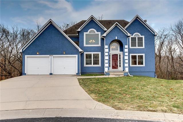 8533 Spring Avenue, Kansas City, KS 66109 (#2141671) :: NestWork Homes