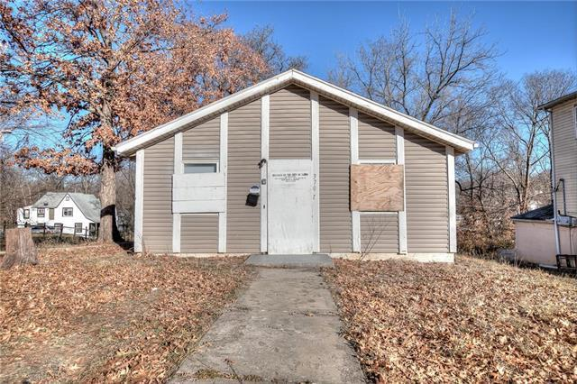 3702 E 70th Street, Kansas City, MO 64132 (#2141673) :: Kansas City Homes