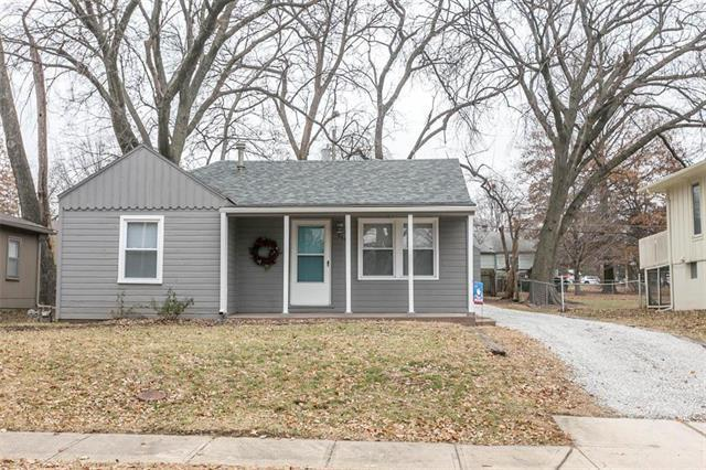 8543 Grandview Avenue, Overland Park, KS 66212 (#2141674) :: Team Real Estate