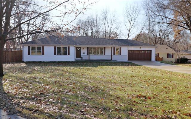 3901 W 97th Terrace, Overland Park, KS 66207 (#2141679) :: No Borders Real Estate