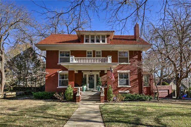 5431 Wyandotte Street, Kansas City, MO 64112 (#2141688) :: Char MacCallum Real Estate Group