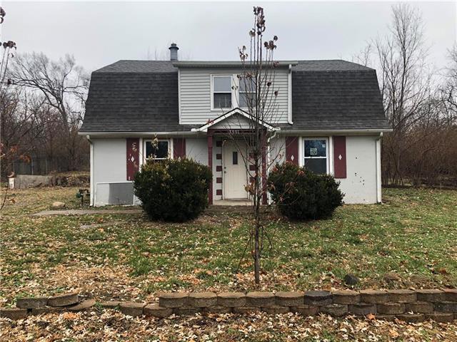 3001 N 69 Street, Kansas City, KS 66109 (#2141693) :: NestWork Homes