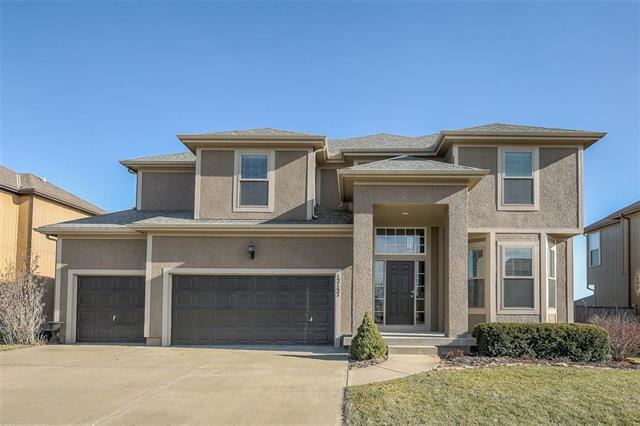 12157 S Roundtree Street, Olathe, KS 66061 (#2141696) :: No Borders Real Estate