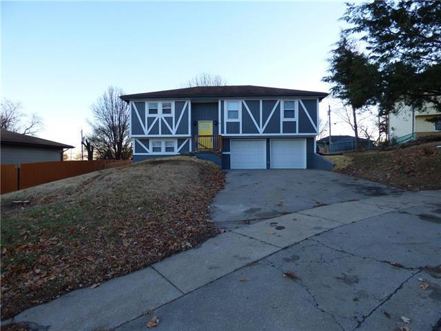209 Pawnee Lane, Leavenworth, KS 66048 (#2141707) :: Kedish Realty Group at Keller Williams Realty