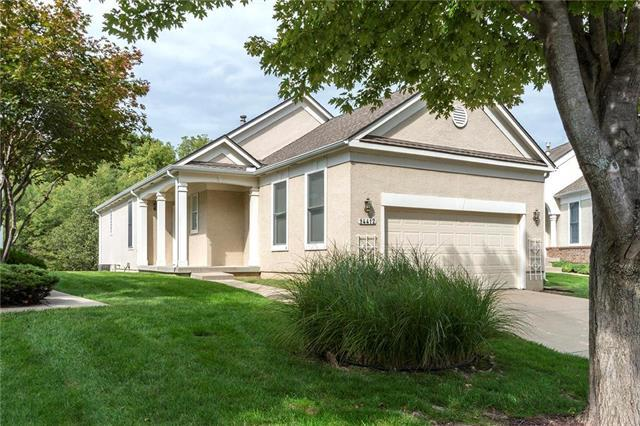 14412 W 126th Street, Olathe, KS 66062 (#2141713) :: The Shannon Lyon Group - ReeceNichols