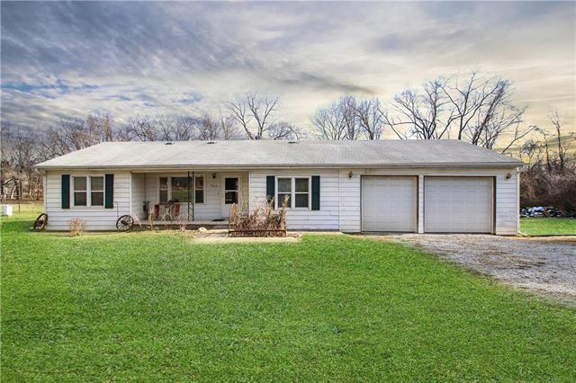 665 S 73rd Place, Kansas City, KS 66111 (#2141720) :: NestWork Homes