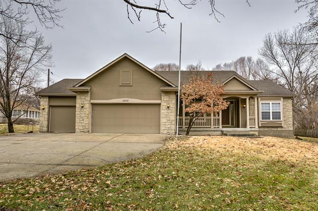 3200 Somerset Drive, Prairie Village, KS 66206 (#2141726) :: The Shannon Lyon Group - ReeceNichols