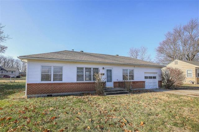 7518 Woodson Road, Raytown, MO 64138 (#2141738) :: No Borders Real Estate